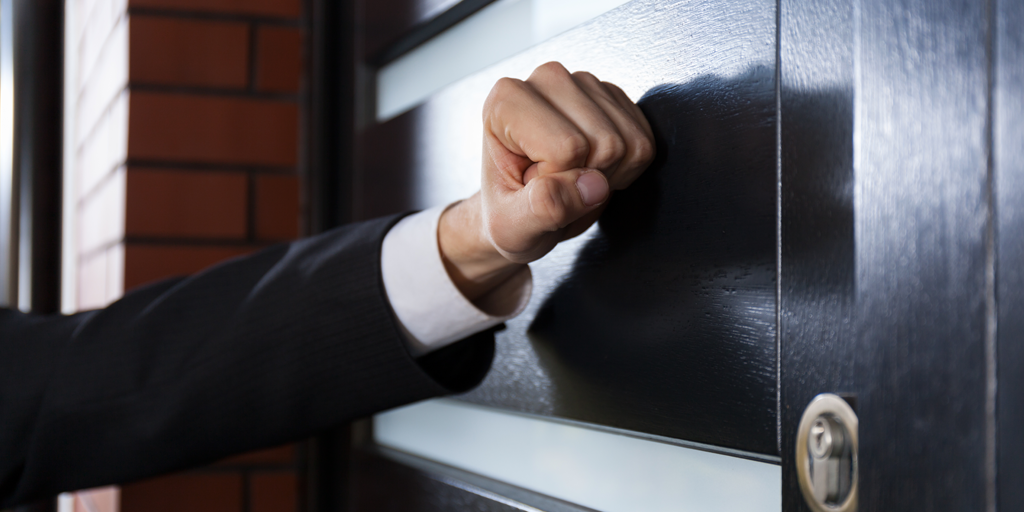Facts Jehovah's Witnesses Won't Tell You When Calling at Your Door